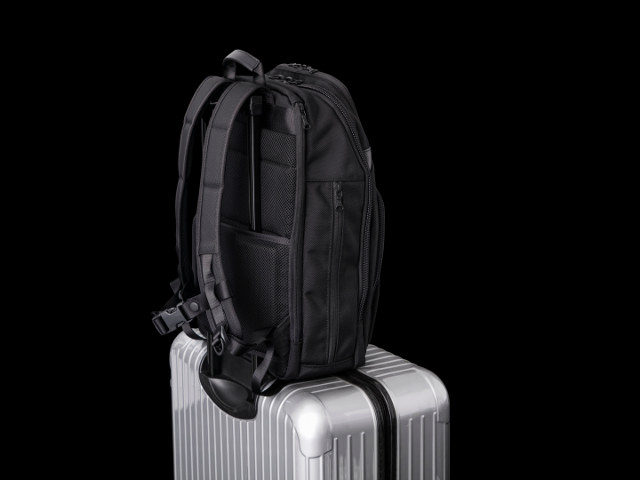 海外・出張にはスーツケースとリュックがベスト